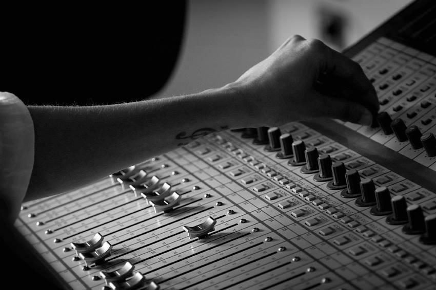 corsi di music production tecnico del suono e sound designer